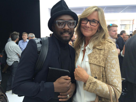 Will.i.am y Angela Ahrendts