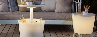 La solución definitiva para un balcón o terraza pequeño: mesas que también son neveras (y además, son muy económicas)