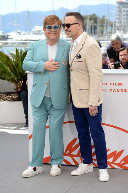 Taron Egerton Apuesta Por Los Estampados Para La Presentacion De Rocketman En Cannes 02