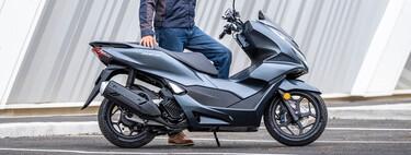Seis scooters que puedes conducir con la convalidación del carnet B de coche desde los 125 cc hasta los 500 cc
