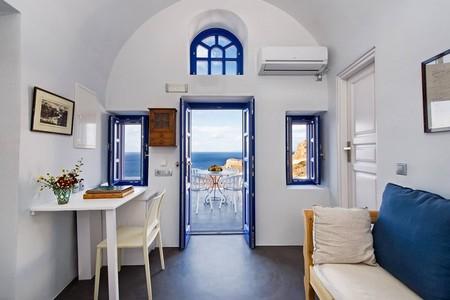 Airbnb Santorini