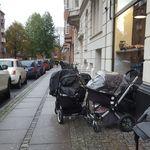 ¿Por qué los padres dejan a sus bebés en los cochecitos en la puerta de las tiendas en los países nórdicos?