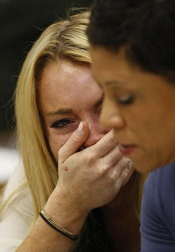 No nos equivoquemos: Lindsay Lohan no roba collares, los toma prestados...