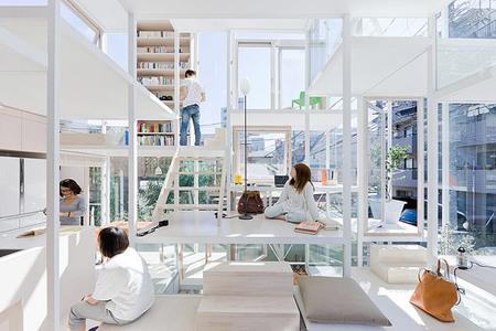 Casa completamente transparente - interior