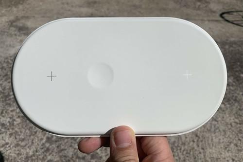 Así es AirUnleashed: el cargador inalámbrico para tu iPhone, Apple Watch y AirPods inspirado en AirPower