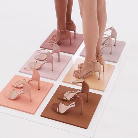 Las sandalias nude te resolverán los looks de día, de noche y de invitada
