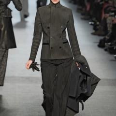 Foto 21 de 27 de la galería jean-paul-gaultier-otono-invierno-20112012-en-la-semana-de-la-moda-de-paris-el-lado-sexy-del-estilo-ladylike en Trendencias