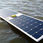 Paneles solares, GPS y Arduino son los ingredientes para que este bote pueda cruzar el mar