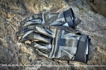 Prueba guantes Triumph Union Black, estilo y comodidad para la ciudad
