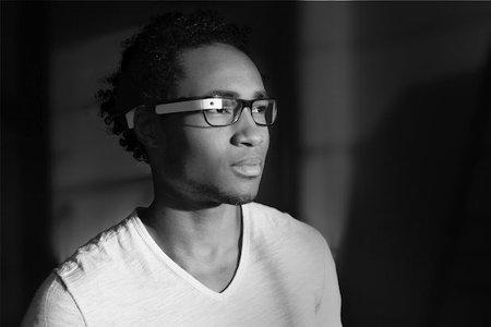 Como funcionaría el Google Project Glass en un persona que usa lentes