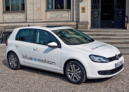 Volkswagen blue-e-motion
