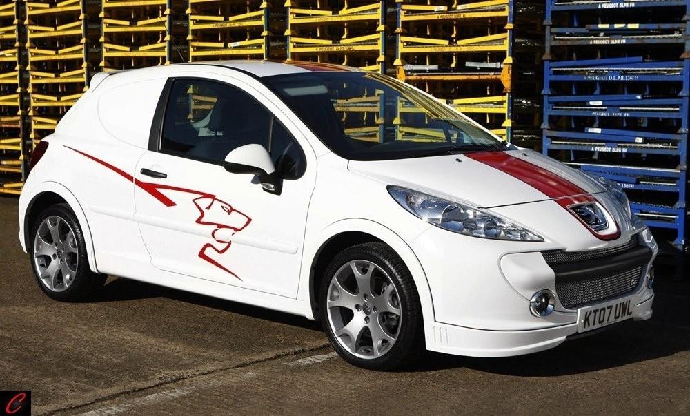 Foto de Accesorios deportivos para el Peugeot 207 versión comercial (2/4)