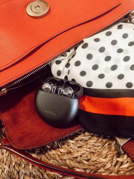 Los nuevos auriculares Huawei FreeBuds 4 están dentro de nuestra lista de imprescindibles para teletrabajar