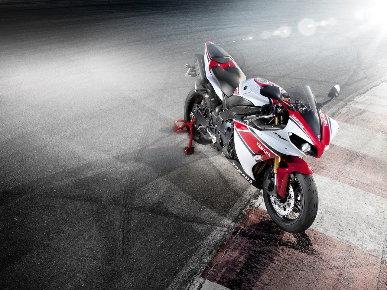 Foto de Yamaha YZF-R1 2012 50 aniversario, datos e imágenes oficiales (7/20)