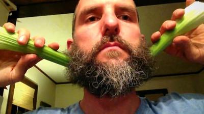 Magic Beard, un simpático Stop Motion de trucos barbudos
