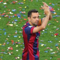 El futbolista Xavi Hernández regala su yate privado a una ONG para que ayude a los refugiados