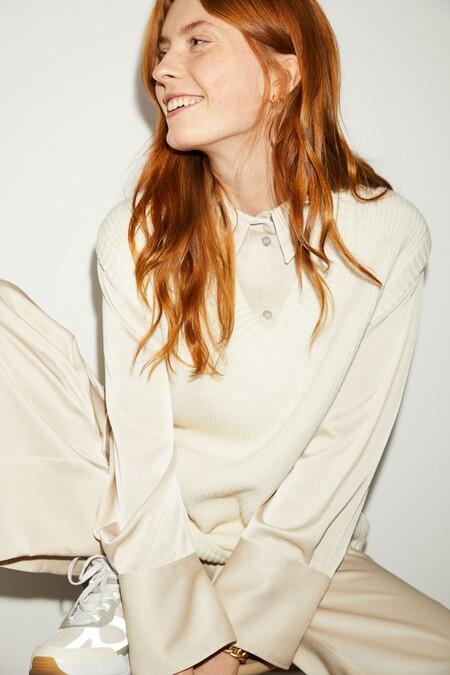 Ha llegado el momento para que el chaleco de punto sea el protagonista: siete versiones de H&M en tonos cálidos