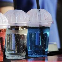 China, uno de los mayores consumidores de plásticos del mundo, prohibirá los desechables a finales de este año