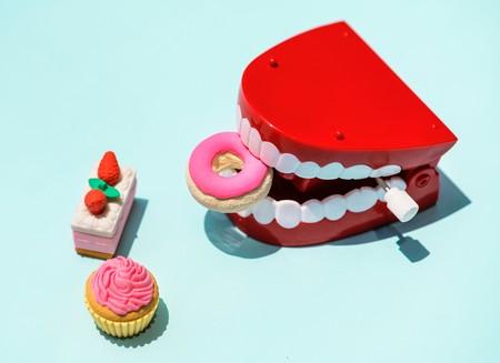 Para cuidar la salud de tu boca, estos son los ingredientes que debes evitar en tu mesa