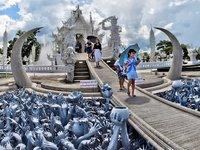 El templo inacabado de Wat Rong Khun, Tailandia