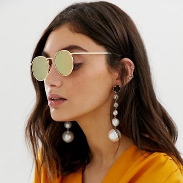 Que estas gafas de sol redondas sean el accesorio más vendido de Asos este verano no nos extraña: lo noventero está más de moda que nunca