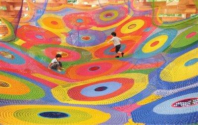 Las esculturas escalables de ganchillo de Toshiko Horiuchi