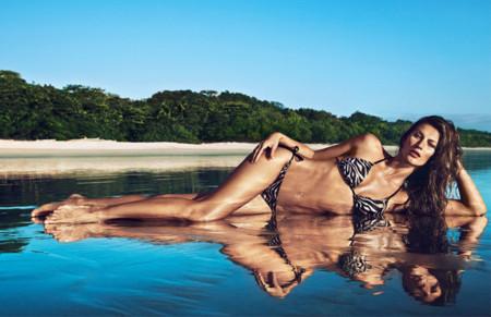Gisele Bündchen enamora con la colección de baño de H&M