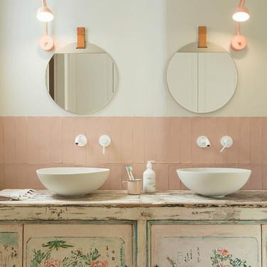 Alerta tendencia: los grifos blancos son otra gran opción a tener en cuenta para el cuarto de baño