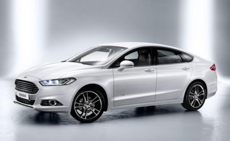 Ford Mondeo Híbrido blanco 01