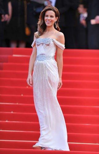 Alfombra roja de la premiere de Wall Street: Money Never Sleeps en Cannes: Kate Beckinsale, Naomi Campbell, Salma Hayek y Camilla Belle