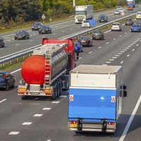 La DGT multa a cerca de mil camioneros y conductores de autobús en una semana por exceder las horas de conducción