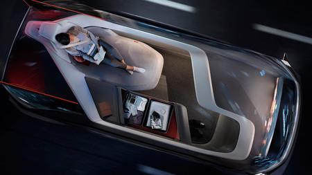 Volvo desvela su 360c Concept, un coche eléctrico autónomo que quiere rivalizar con el transporte aéreo