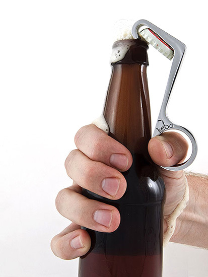 Abridor Kebo, abre cervezas con una sola mano