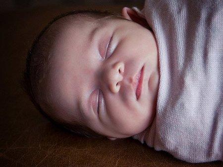 bebe-durmiendo-hogg2.jpg