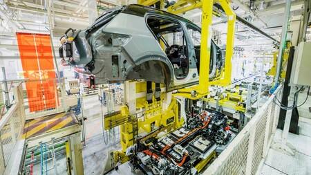 Volvo XC40 Recharge Eléctrico Puro en fábrica