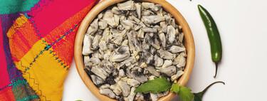 Qué es el huitlacoche, el hongo parásito del maíz que es todo un manjar imprescindible de la cocina mexicana