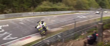 Cuando el Karma está de tu lado y no vuelcas con el Suzuki Swift de alquiler en Nürburgring