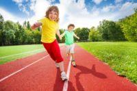 ¿Os gusta hacer deporte en familia?: llega la primera 'Babyton' a Madrid