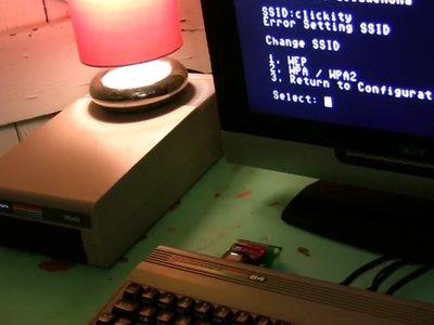 Conectar un C64 a la WiFi para disfrutar de una BBS te devuelve al pasado de internet
