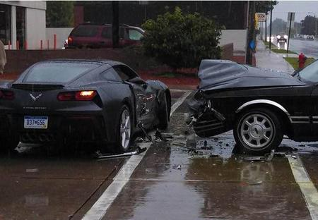 ¡Otro Chevrolet Corvette C7 Stingray es chocado!