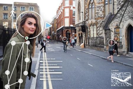 Humanising Autonomy trabaja para permitir a los coches autónomos saber si los peatones les han visto (o están mirando el móvil)