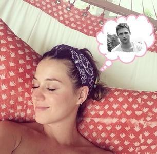 Pues yo lo de Robert Pattinson y Katy Perry hasta que no lo vea...