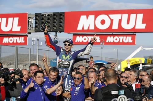 El Gran Premio de Valencia: una carrera de despedidas, lágrimas y abrazos