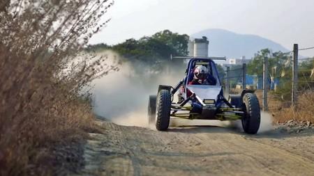 Lecciones DIY: Este buggy está hecho a mano, tiene motor de moto con 150 CV y sólo pesa 450 kg