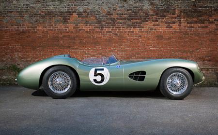 Aston martin dbr1 lateral