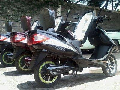 Ecotran: las pequeñas motos solares que quieren cambiar la forma de vida en Kenya