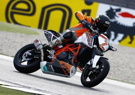 KTM European Junior Cup frente a Superstock 600: estos críos van como demonios