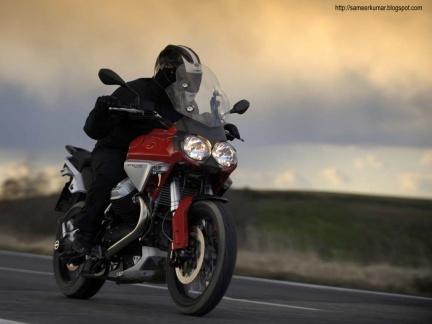 Moto Guzzi Stelvio, nuevas imágenes y detalles