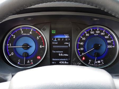 Consumo Prueba Toyota Hilux Detalles