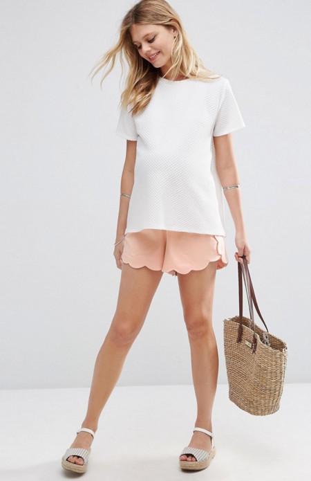 Enseña piernas con estos bonitos 8 shorts premamá